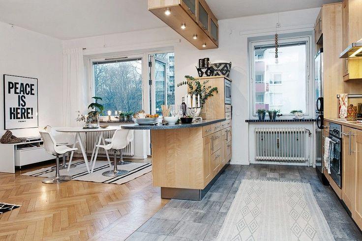 Дизайн совмещенной кухни-гостиной с барной стойкой: 75 мультифункциональных и современных интерьеров http://happymodern.ru/dizajn-kuxni-sovmeshhennoj-s-gostinoj-foto-s-barnoi-stoikoj/ Зонирование кухни-гостинной при помощи мебели