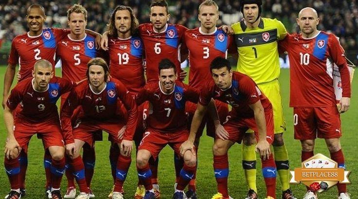 Inilah 23 pemain dari skuad Timnas Republik Ceko di Euro 2016. Daftar pemain Ceko yang dilatih oleh Pavel Vrba yang akan berjuang untuk mencapai hasil setinggi mungkin di Piala Eropa 2016 ini. Terg…