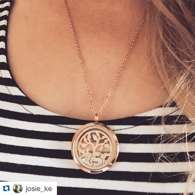 A gorgeous rose gold piece! #happycustomer #LilyAnneDesigns #lilyannedesignswithSarahKelly @josie_ke ・・・ #sarahkelly #locket #personalised #rosegold #L #S #hairdryer #diamond @lilyannedesigns_sarahkelly