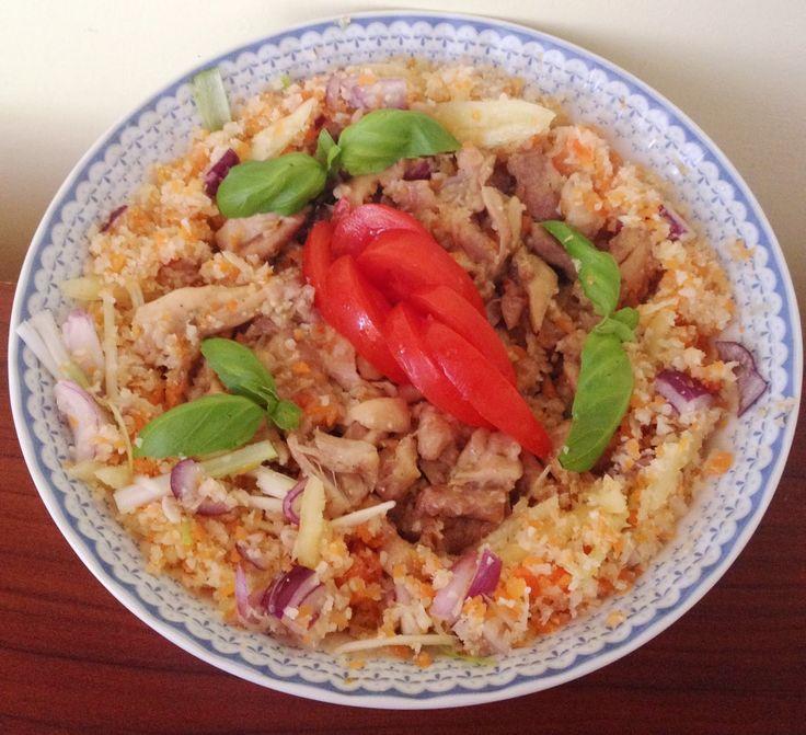 Zöldséges karfiolrizses csirkesaláta (paleo recept)