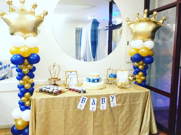 Gold Crown Balloon Columns Cake Table With 2 Balloon Crown Centerpieces