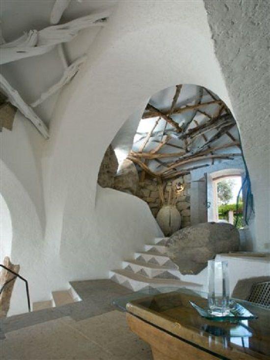 Savin Couëlle. Juniper beams reinforce the ceiling. Villa Karim, Sardinia. www.couelle.com