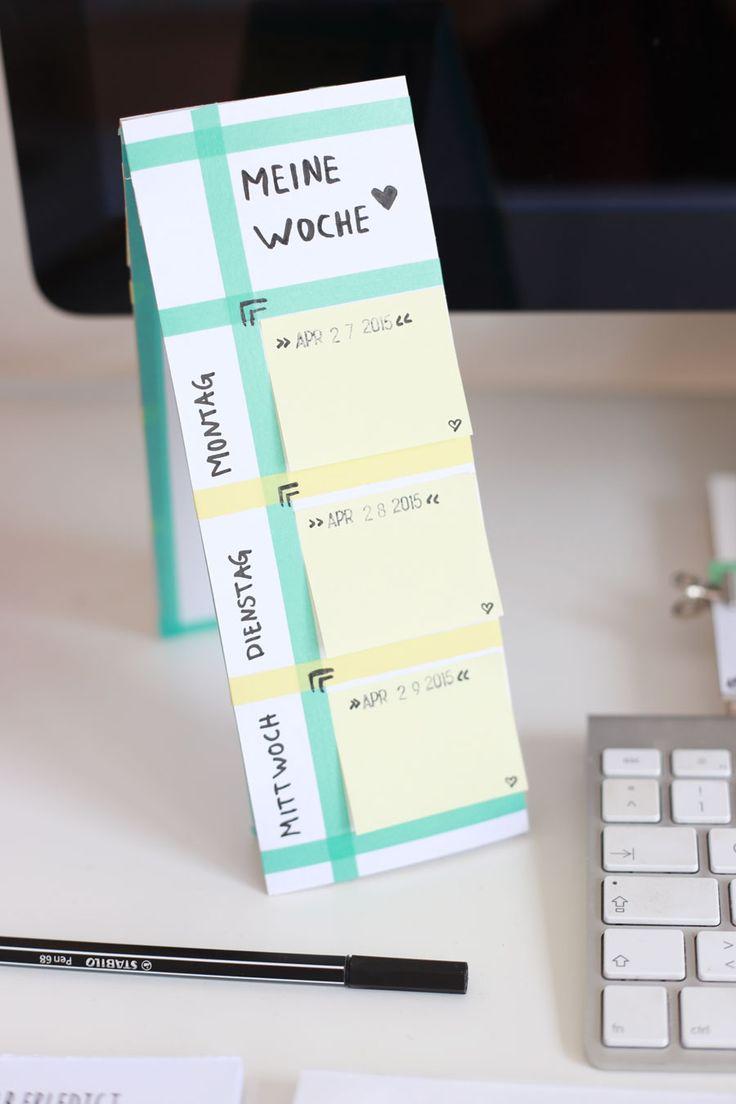 so einfach kann man mit Postits und Wachitape einen kleinen Tischkalender selber machen #diy