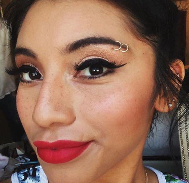 kweeeeen | Eyebrow piercing, Face piercings, Eyebrow piercing girl