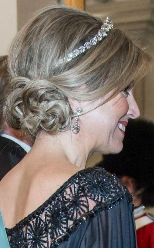 Wedding hairstyle inspired by Queen Maxima of the Netherlands