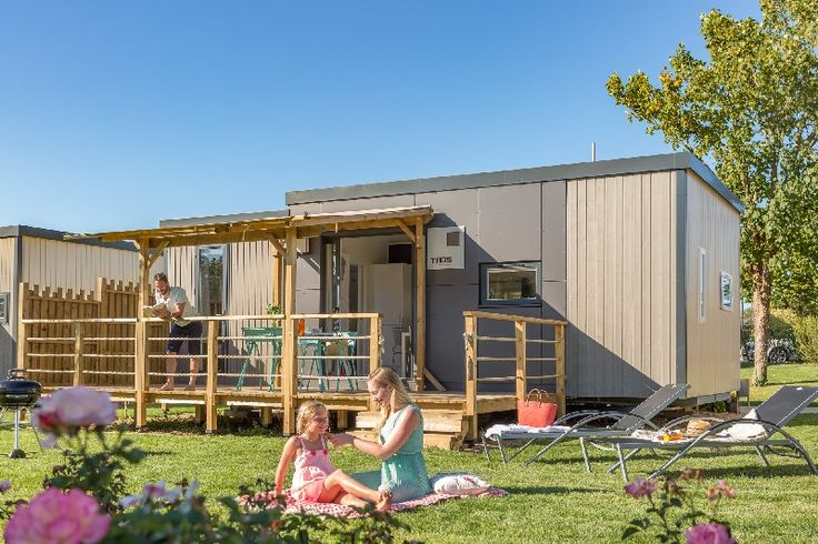 A pristine holiday park close to popular Bénodet in Brittany, France. Relax in a luxury, modern mobile home.