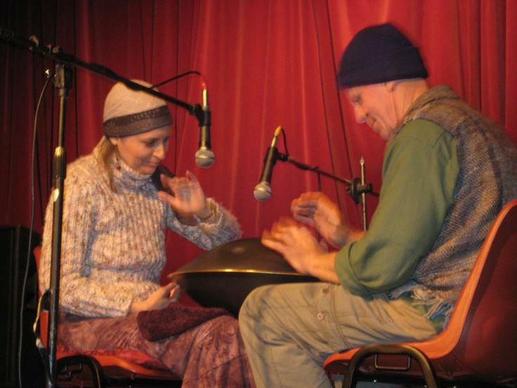 Samjjana performing together on the hang at a Cooran music night..