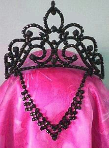 Evil queen crown | Halloween | Pinterest | Queen Crown ...