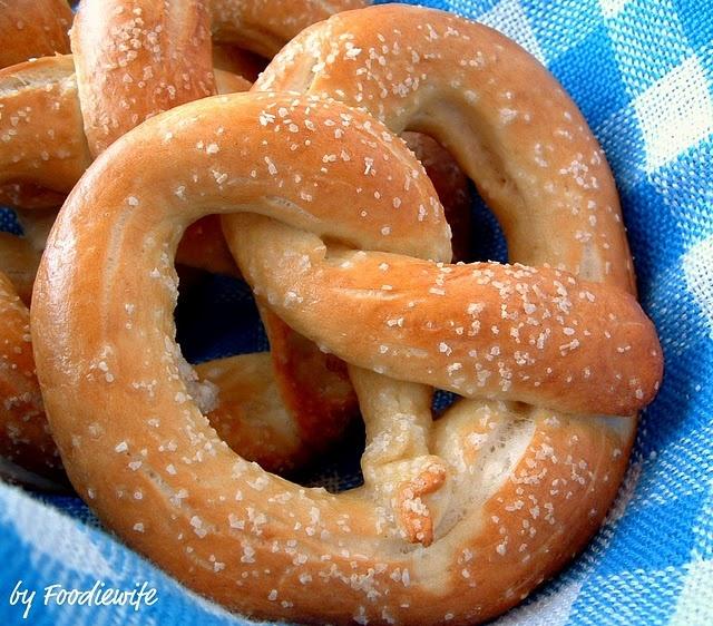Soft pretzelGerman Recipe, German Bretzen, 2010 Parties, Yummy Food, Favorite Recipe, Oktoberfest 2010, Pretzels German, Soft Pretzels, Baking Soda