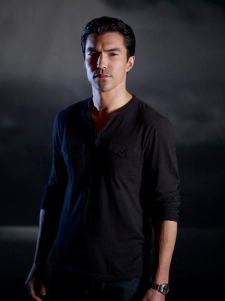 Ian Anthony Dale - Hawaii 5-0, He's actually part Japanese, part English & part French.. but since he's Asian & a hottie, why not here..:)