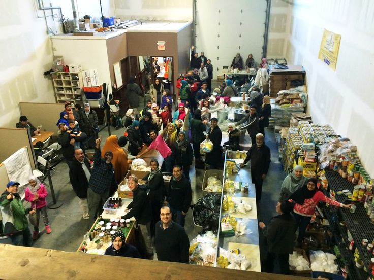 For six years and counting, the Muslim Food Bank and Community Services Society in Surrey, British Columbia has welcomed refugees from around the world who are starting a new life after violence, the threat of harm, or other causes have made them flee their home. In our latest edition of our international refugee blog series, we learn how one charity is welcoming newcomers to Canada's west coast. #GivingLifeBlog