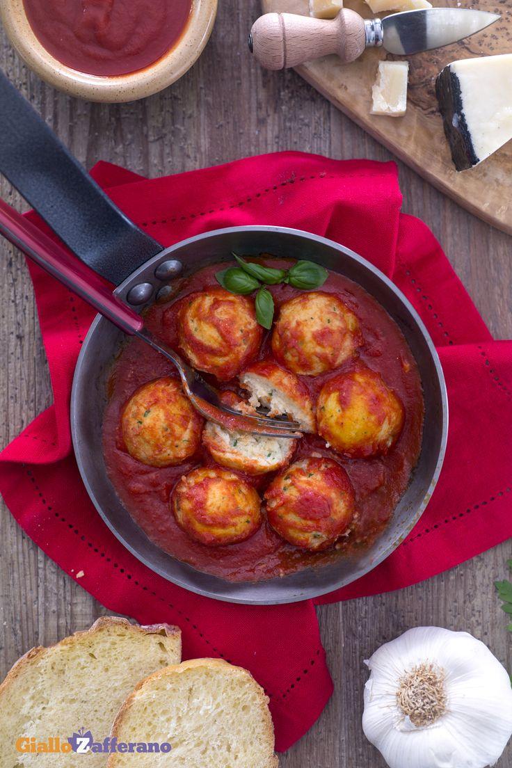 Polpette di ricotta col sugo Secondi piatti - Ricotta meatballs with tomato sauce main courses