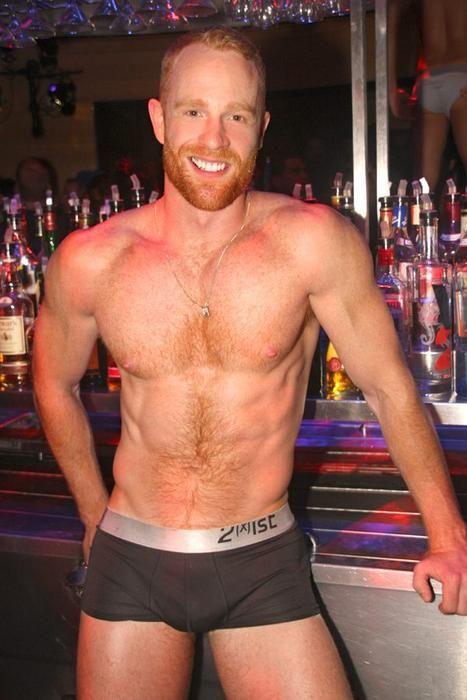 Beiden sexy shirtless ginger men HER TITS