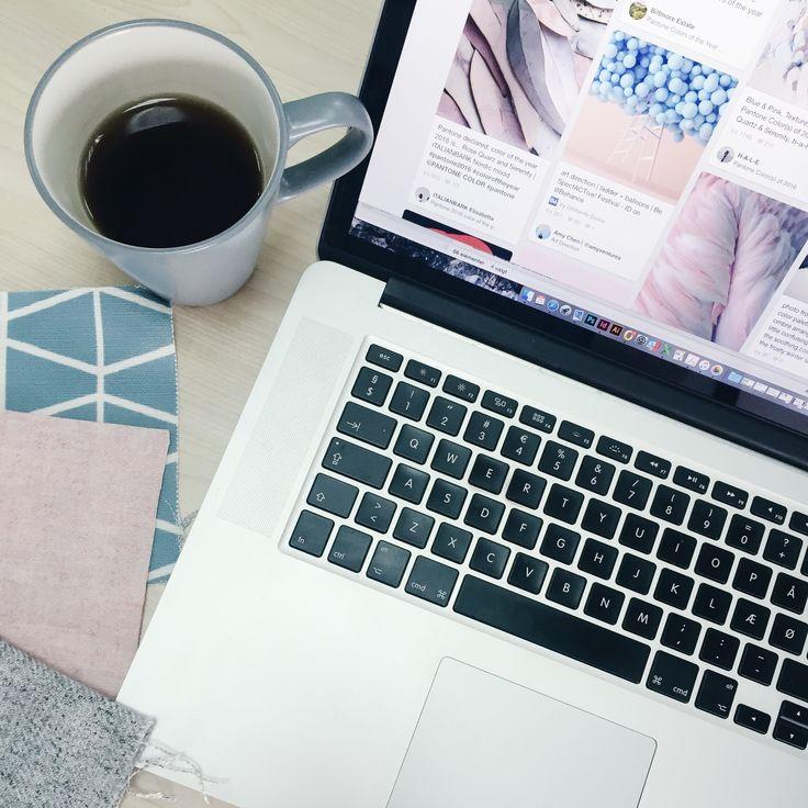 Malene Lillelund: Min design stil er enkel og med fokus på diskrete detaljer.  Dette kan være ved at mikse materialer, udforske teknikker indenfor postring eller at kombinere farver og teksturer på forskellige måder. Jeg finder inspiration til designs mange steder og er bestemt ikke afgrænset til møbelverdenen.   #sofakompagnier #boligindretning #danskdesign #danishdesign #scandinaviandesign #boliginspiration