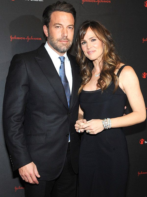 Ben Affleck and Jennifer Garner: Inside the Final Weeks of Their Marriage http://www.people.com/article/ben-affleck-jennifer-garner-divorce-last-months-marriage