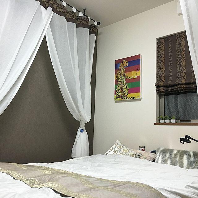 RoomClipに共有された「アイアンカーテンレール×リゾート風天蓋」に関連する部屋のインテリア実例は 1 枚あります。