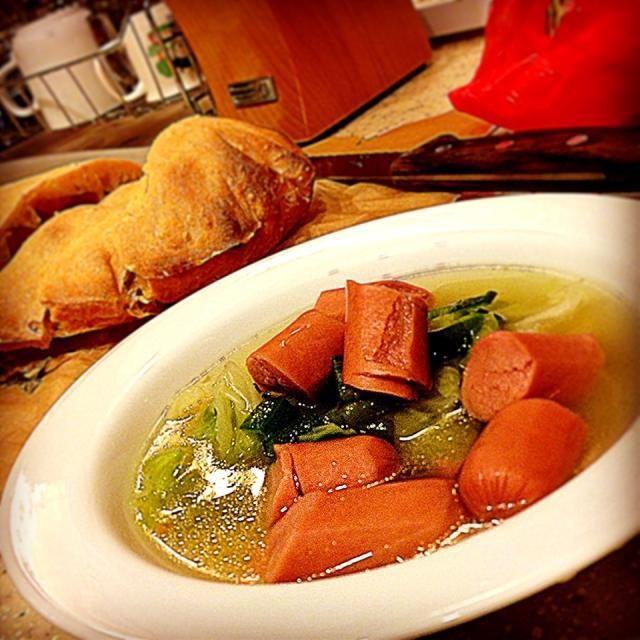 パパ体調不良により、身体に優しいメニュー。 早く治るといいね - 47件のもぐもぐ - Sausage gumbo & cabbage soup キャベツ、オクラ、ソーセージのスープ by centralfields