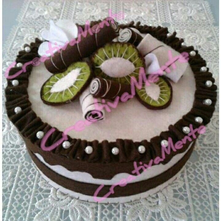 Scatola/torta realizzata interamente a mano in pannolenci