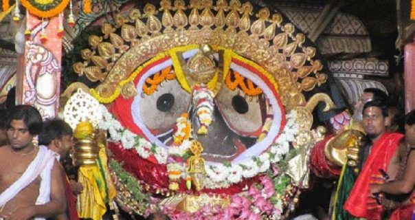 Among Char Dham Lord #Jagannath Puri Temple is one of the famous Place. Many visitors came from many Countries to visit this place. In Hindu society this is the largest temple. Read below to know the interesting Story behind Lord Jagannath #Puri Temple. Even the god known as BADA THAKURA. The area infront of the temple called BADA DANDA. Jagannath Temple locates in Odisha, Puri. Puri is also known as SANKHA KHETRA. The most attractive place in Puri is the sea beach...