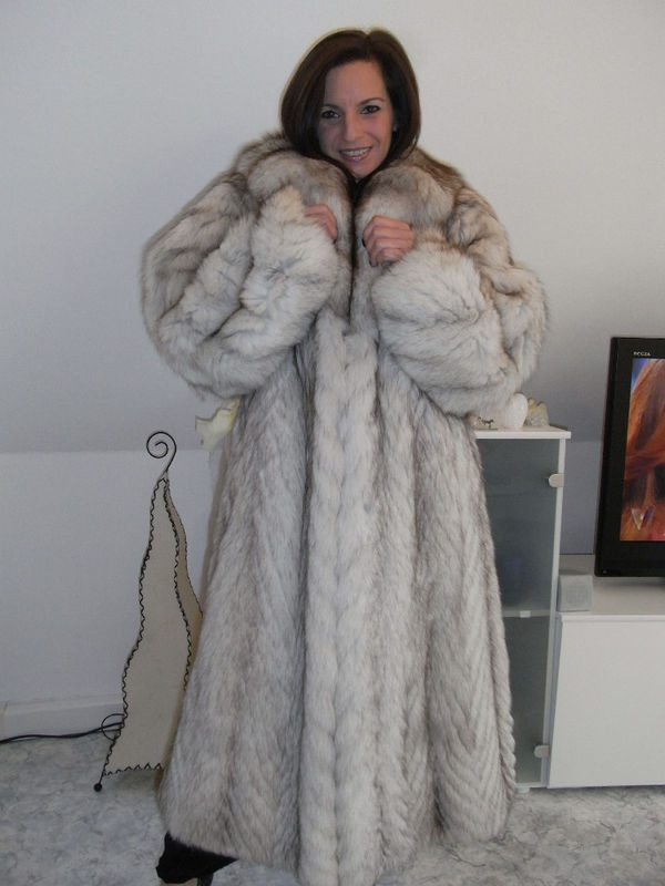 1000  images about Furs &amp Softwear 10 on Pinterest   Coyotes