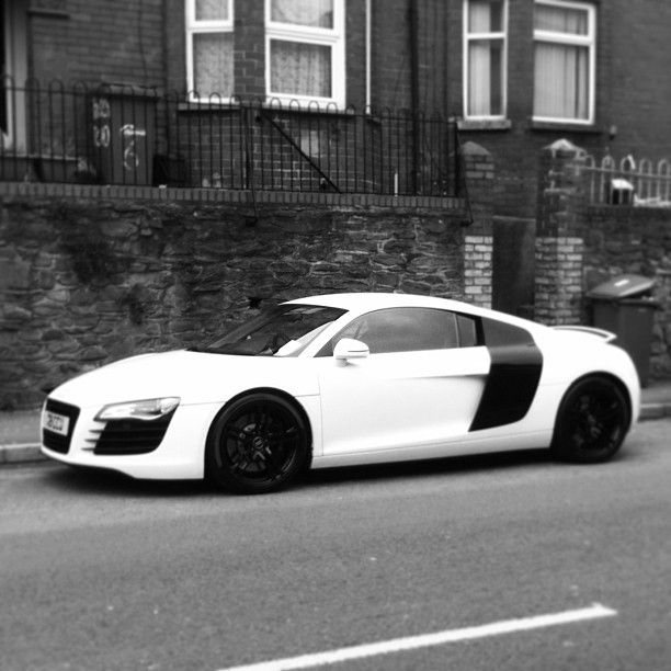 Black And White Audi R8!