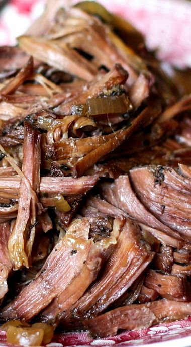 Italian Red Wine Round Roast Beef _ Slowly cooks in the crock-pot creating an unforgettable dinner. This smells so fantastic as it cooks, I could hardly wait to taste it the first time I made it! Seasoned with just a light blend of Italian spices.