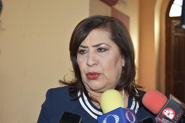 La Alcaldesa María Luisa González Achem, emite un caluroso saludo a los lerdenses con motivo de la llegada del año nuevo y termino de...