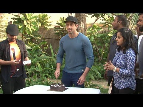 Hrithik Roshan celebrates his 42nd birthday - UNCUT VIDEO.