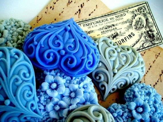 a-faerietale-of-inspiration: blue ... How beautiful!  I wouldn't want to use it!