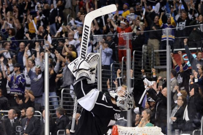 Jonathan Quick winning the Stanley Cup