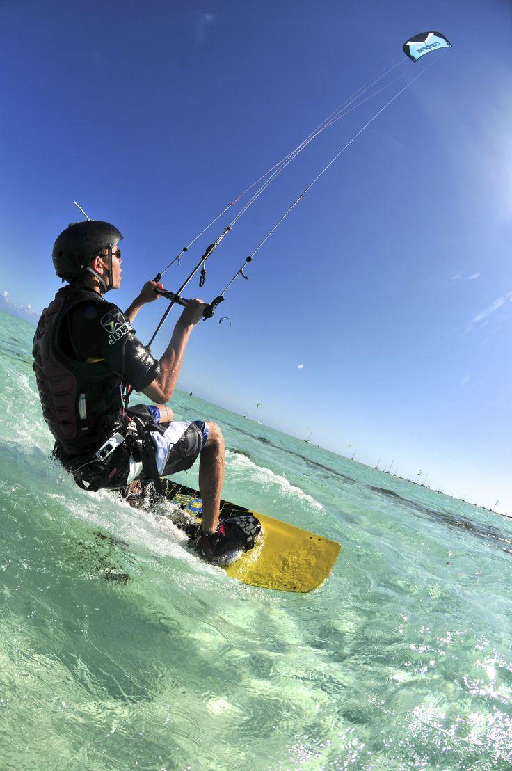 Kitesurfing in Nouméa