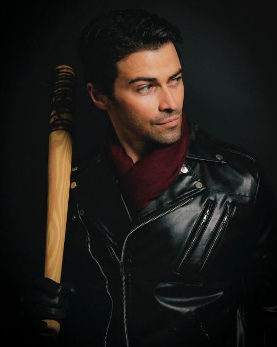 Matt Cohen's Supernatural 2016 photo op theme - Jeffery Dean Morgan's character Negan on The Walking Dead ALL CREDIT > `CHRIS SCHMELKE