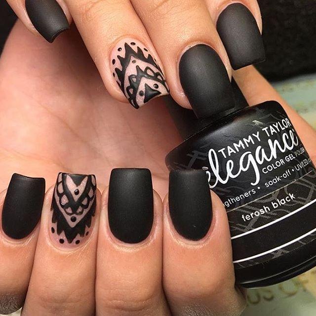 Gorgeous set using Ferosh Black Gel Polish by @iammarynegron ▪️◾️◼️◾️▪️