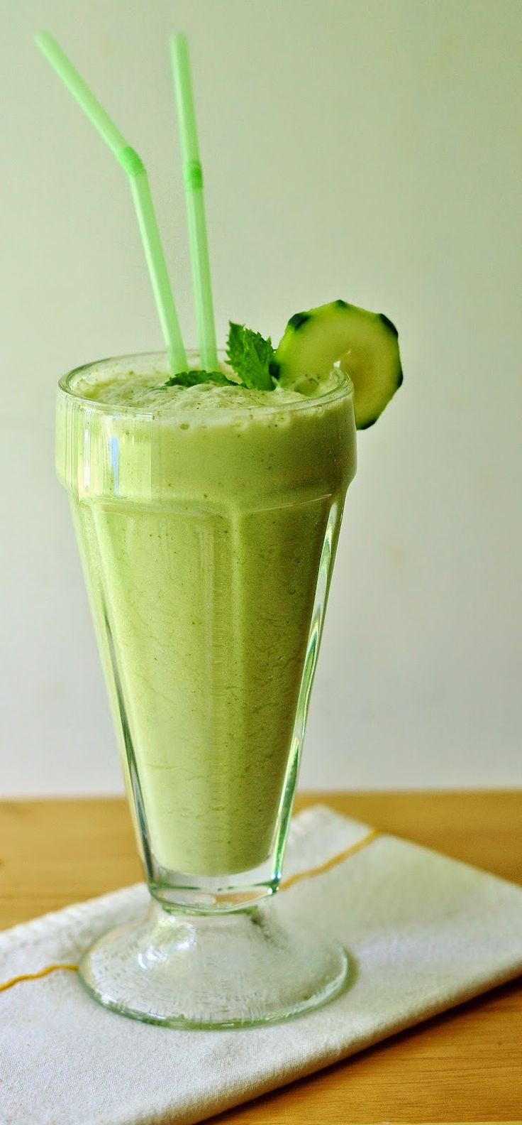 Cool Honey Mint Smoothie