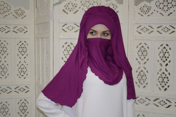 Transformer voluminous magenta barbe hijab niqab transformer