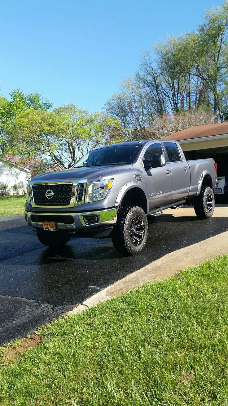 2016 Nissan Titan XD lifted
