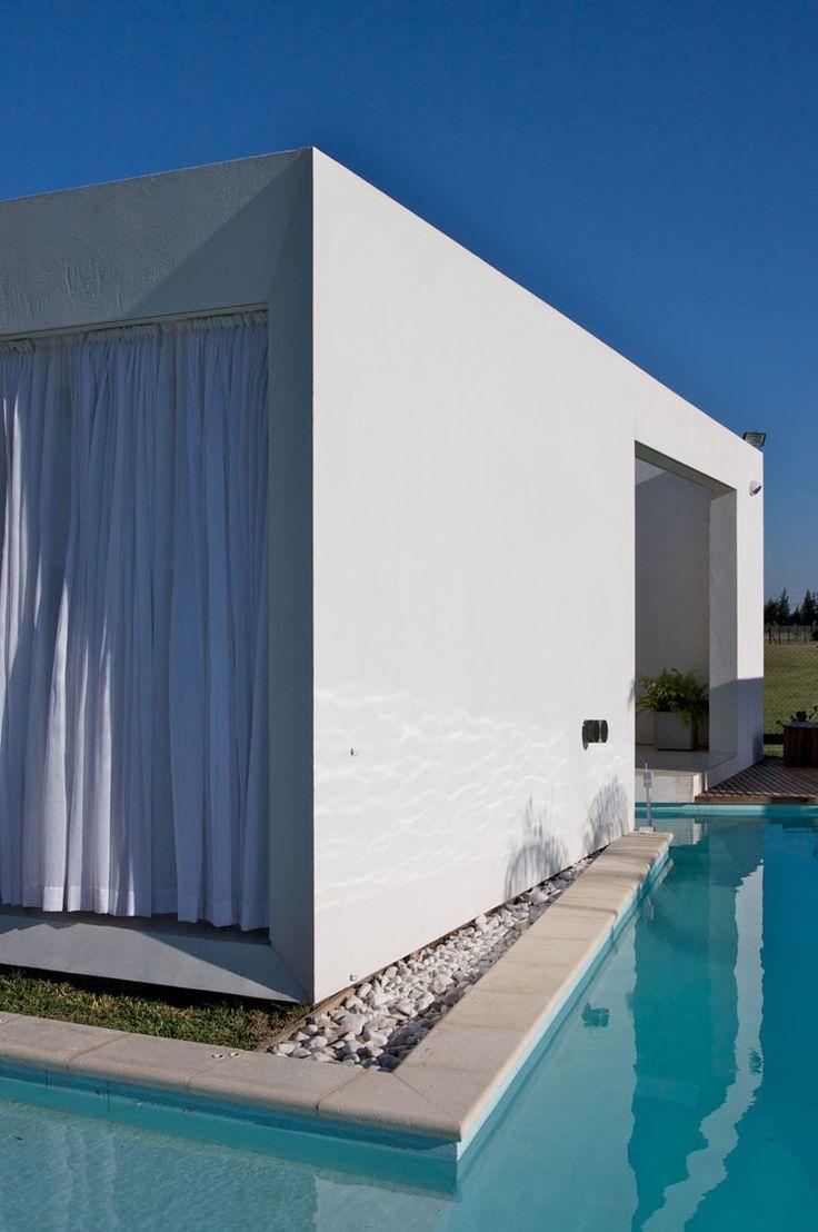 Imagen 2 de 21 de la galería de Casa DT Puerto Roldán / VismaraCorsi Arquitectos. Fotografía de Sebastián Clavere