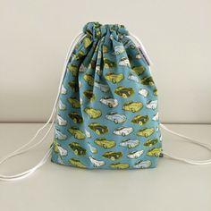 Mini rugzak met 2 opties voor de draaglusjes. Dit rugzakje is ideaal voor peuters en kleuters. In mijn kinderopvang hebben de meeste...