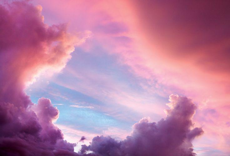 Hoje o céu está rosa com azul e roxo