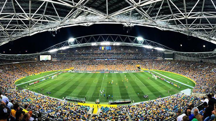 SÍDNEY | Los dos mayores estadios de Sídney, entre ellos el que se construyó para los Juegos Olímpicos 2000, serán destruidos para levantar nuevos recintos, en un programa controvertido de grandes inversiones, anunciaronhoy autoridades del lugar.
