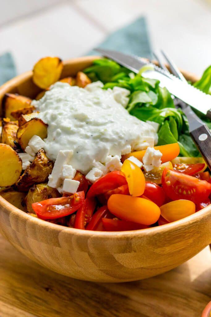 Honig-Senf-Bratkartoffelsalat mit Feta und Tomaten   – *Einfach Malene – Blog Rezepte*