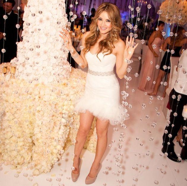Best 25  Vegas wedding dresses ideas on Pinterest | Short wedding ...