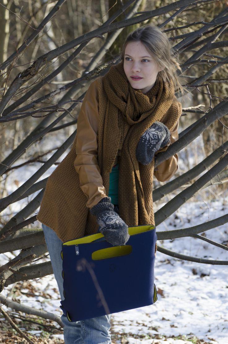 #yetibag SIMPLE|ONE S darkblue/yellow #fashion #winter yetibag.com
