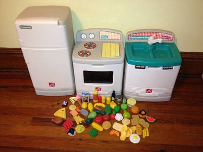 Step 2 Kitchen Fridge Refrigerator Stove Dishwasher Play Food