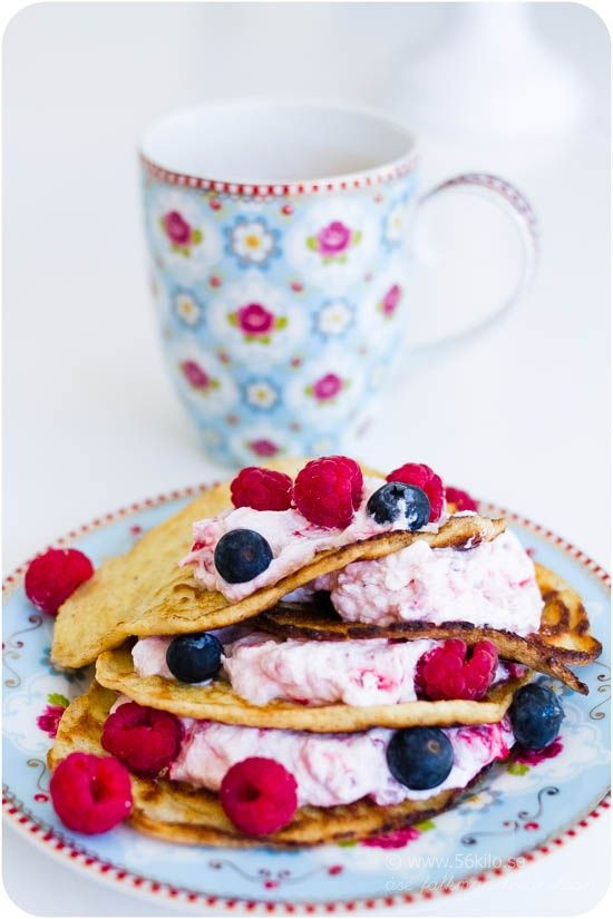 Raspberry pancakes made on almond flour