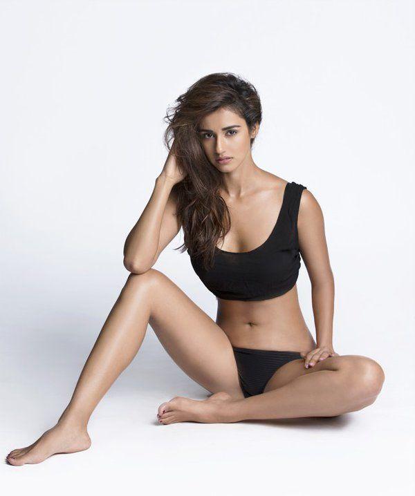 Disha Patani New Sexy Bikini Pictures (21)