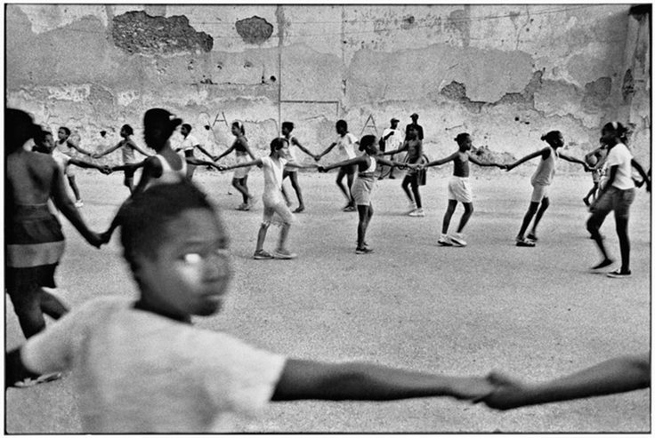 Cuba Girls holding hands children, Havana © Ernesto Bazan