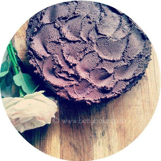 Photo by bettybake ... recipe here http://www.bettybake.co.za/2012/09/baked-sweet-potato-chocolate-cake.html