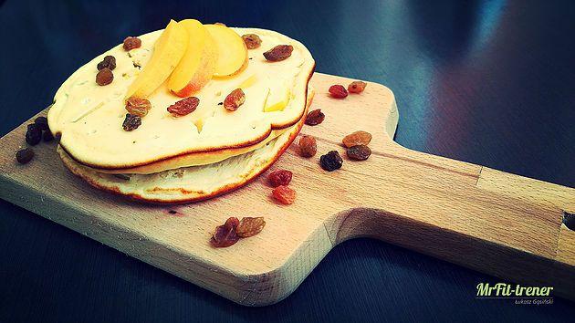 Proteinowe serniczki brzoskwiniowe z patelni na szybko