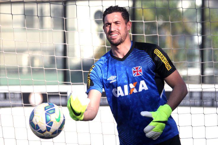 Martín Silva volta a treinar sem dores  e deve reaparecer contra o Palmeiras #globoesporte